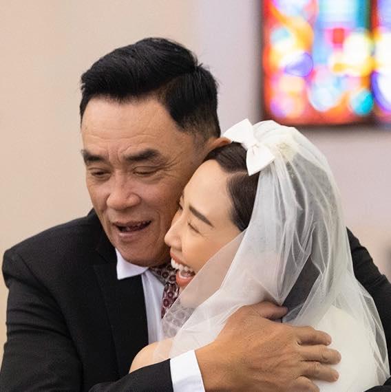 Vì sao mẹ ruột Tóc Tiên không về Việt Nam dự lễ cưới con gái? - 3