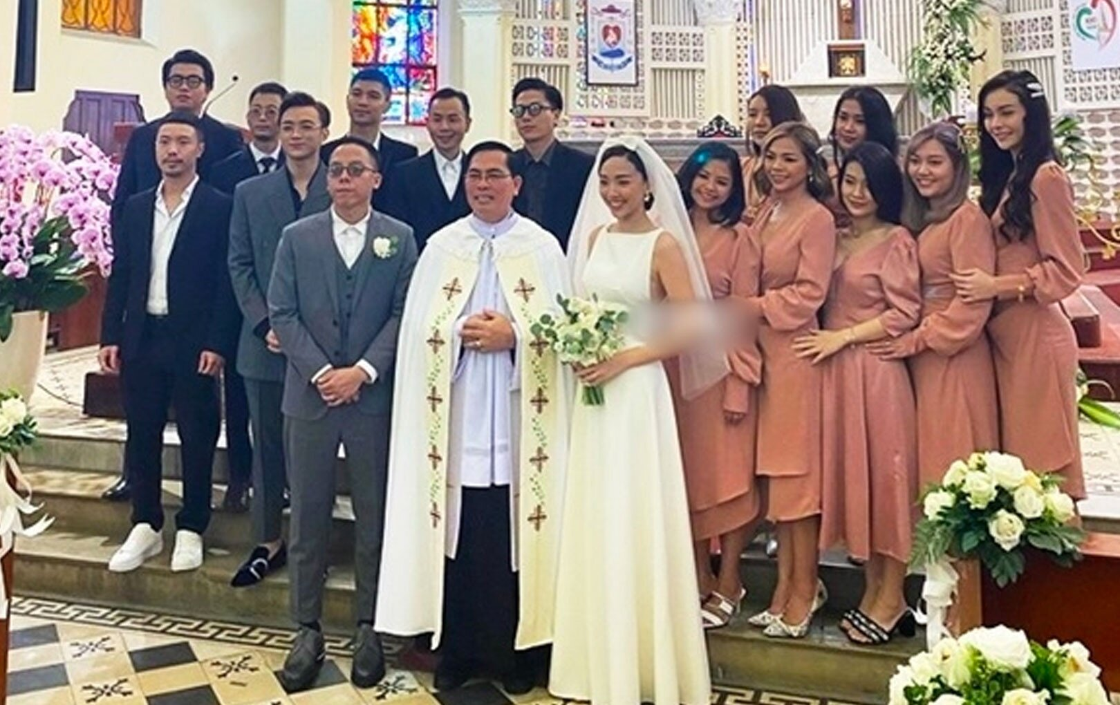 Vì sao mẹ ruột Tóc Tiên không về Việt Nam dự lễ cưới con gái? - 1