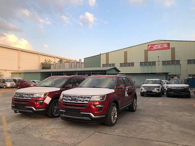 Ford Việt Nam giảm giá mạnh dòng xe SUV cỡ lớn Explorer
