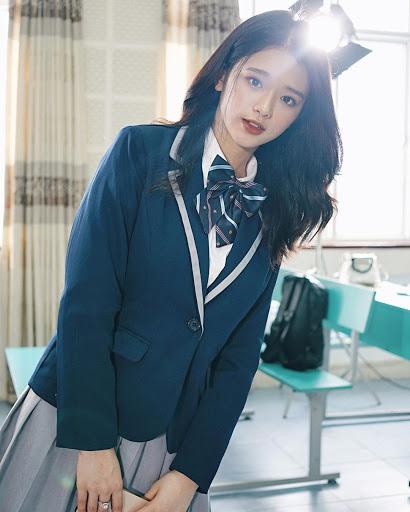 """Linh Ka ngày càng táo bạo, mặc kiểu """"chín ép"""" khi qua tuổi dậy thì - 13"""
