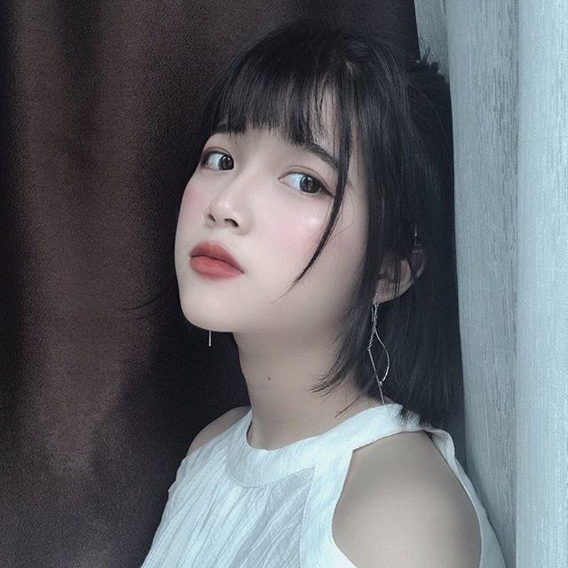 """Nữ sinh Phú Thọ hot trên trang tin Trung Quốc mặc phóng khoáng hơn """"thời các mẹ"""" - 3"""