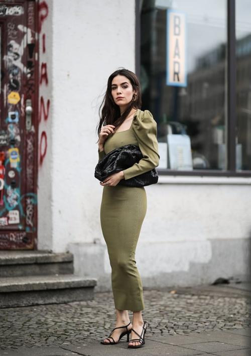 5 lỗi trang phục khiến quý cô công sở kém tự tin, năng động - 2