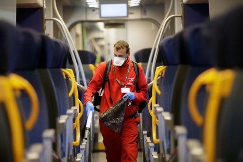 Italia: Số ca nhiễm Covid-19 tăng 50%, gần 1.700 người nhiễm bệnh - 1