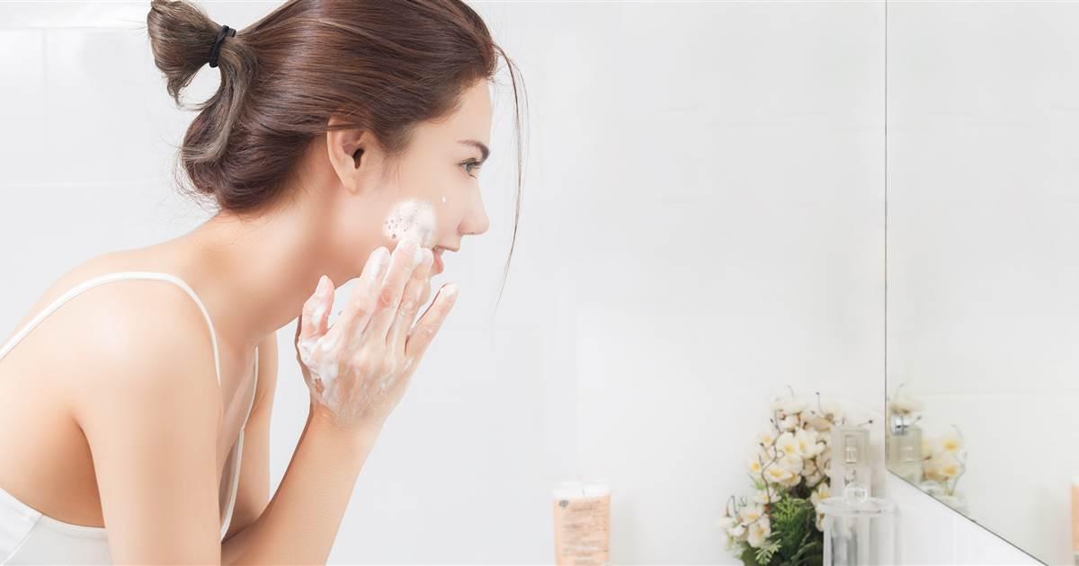 90% người dùng sữa rửa mặt không biết điều này nên da dễ xấu - 2