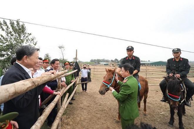 Bộ trưởng Tô Lâm: Việc ra mắt lực lượng Kỵ binh CSCĐ thời gian tới rất cần thiết - 1