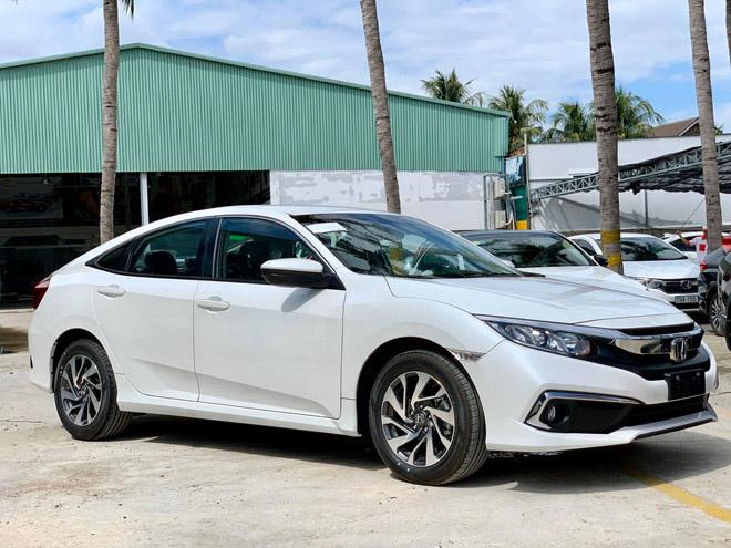 Honda Civic giảm giá tới 120 triệu đồng tại thị trường Việt - 2