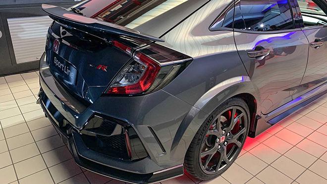 Honda trang bị cánh gió mới cho dòng xe Civic Type R Sport Line - 3