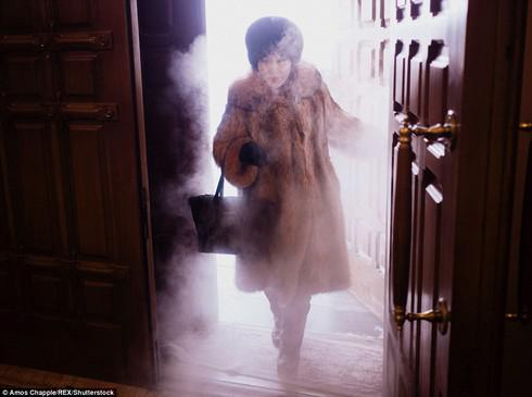 Ở thị trấn lạnh nhất thế giới, người dân sinh sống thế nào? - 4