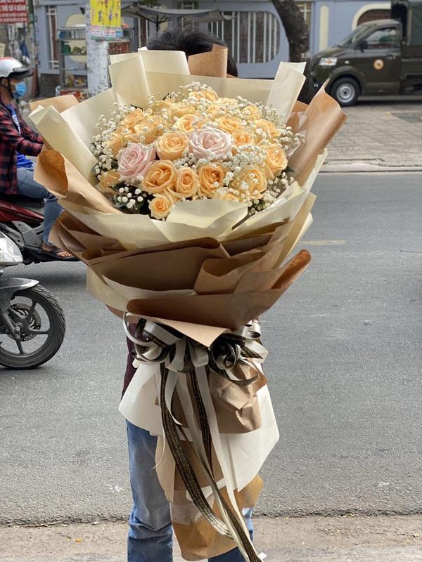 """Hoa tươi Mrhoa giới thiệu những bó hoa """"siêu to khổng lồ"""" - xu hướng quà tặng gây """"bão"""" dịp 8/3 năm nay - 3"""