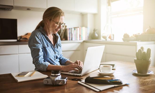 Bí quyết giúp chị em nâng tầm nhan sắc khi họp online