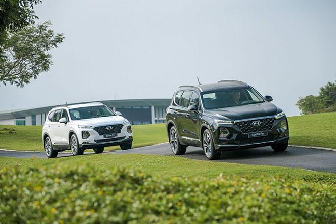 Hyundai Santa Fe giảm giá 30 triệu phiên bản Premium máy dầu - 1