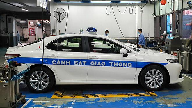 Ngắm Toyota Camry 2020 của lực lượng CSGT Việt Nam - 6