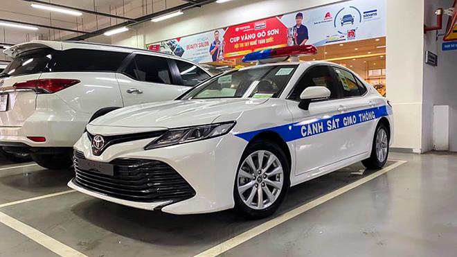 Ngắm Toyota Camry 2020 của lực lượng CSGT Việt Nam - 7