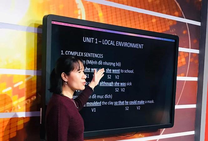 Bộ GD-ĐT yêu cầu dạy học qua internet, trên truyền hình trong thời gian nghỉ học - 1