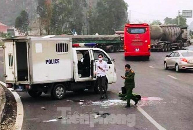 Tin tức 24h qua: Một đại úy hi sinh khi áp tải nghi phạm về trại tạm giam