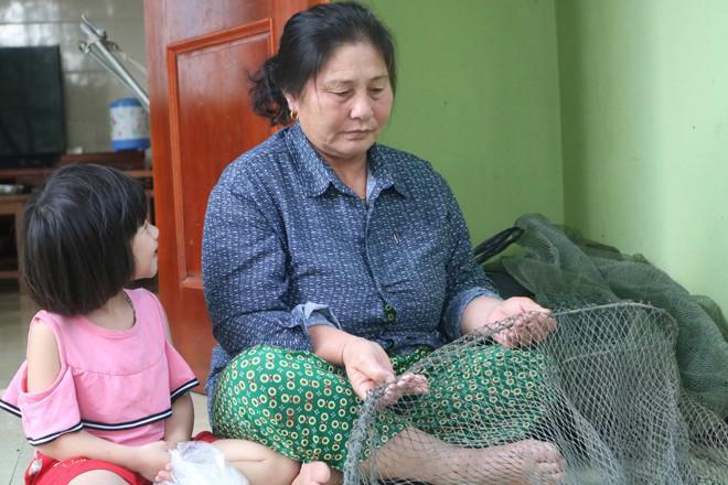 Người phụ nữ 40 năm vớt xác trên dòng Lam