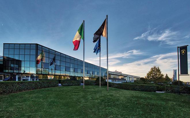 Hãng siêu xe Lamborghini đóng cửa nhà máy tại Ý vì Covid-19 - 1