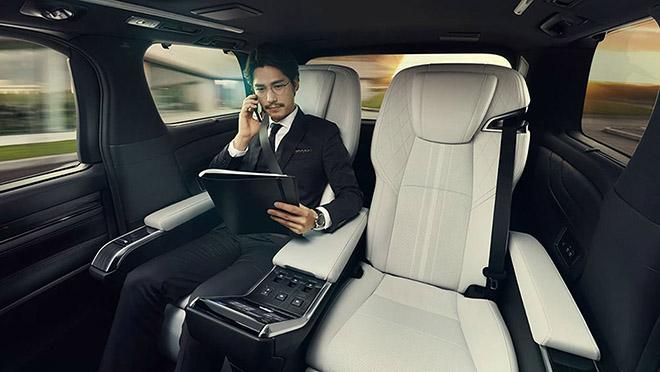 Lexus ra mắt dòng MPV LM300h tại Thái Lan, giá hơn 4 tỷ đồng - 10