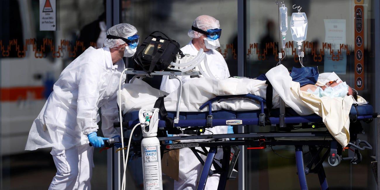 Giới chức y tế Pháp cho biết, hơn một nửa số người nhiễm Covid-19 nghiêm trọng là người dưới 60 tuổi. Ảnh: Reuters