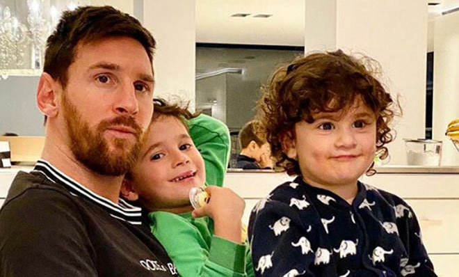 """""""Hoa hậu siêu vòng 3"""" fan Messi làm điều táo bạo, chống dịch Covid-19 - 1"""