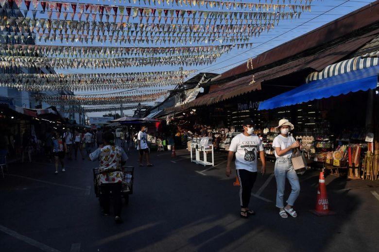 Số người nhiễm Covid-19 tại Thái Lan tăng kỷ lục lên mức nhiều thứ hai ĐNA - 1