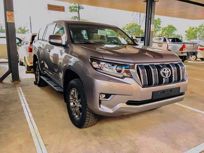 Chi tiết Toyota Land Cruiser Prado 2020 tại Việt Nam - 1