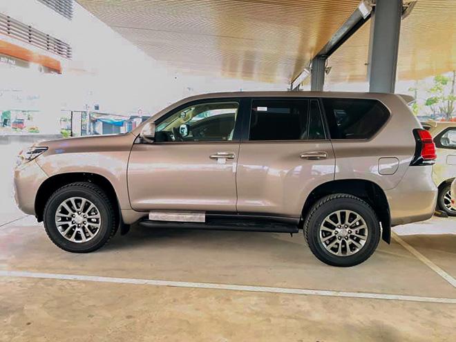 Chi tiết Toyota Land Cruiser Prado 2020 tại Việt Nam - 3