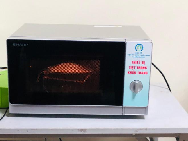 Chuyên gia hướng dẫn cách khử khuẩn khẩu trang bằng lò vi sóng - 2