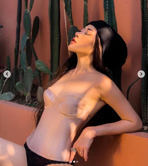 Không trang phục phòng hộ khi đi tập gym, cô gái Việt hot trên Instagram - 8
