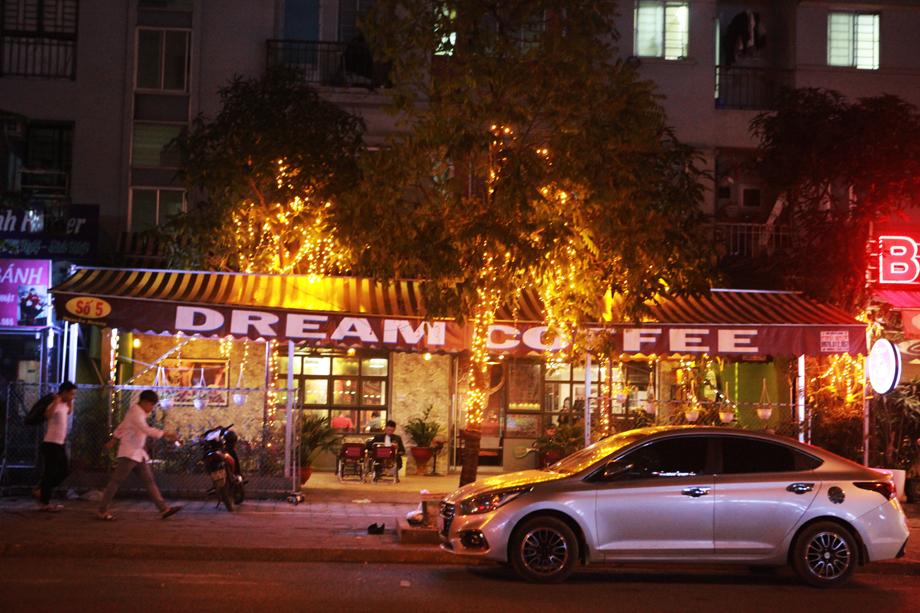 Hình ảnh quán cà phê ở Hà Nội sau yêu cầu đóng cửa của Chủ tịch thành phố - 7