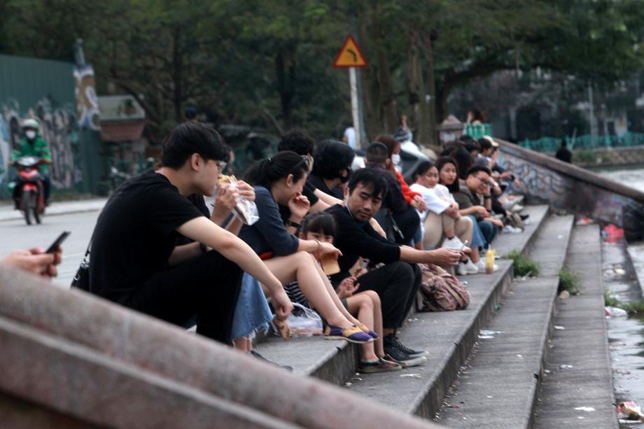 Hình ảnh quán cà phê ở Hà Nội sau yêu cầu đóng cửa của Chủ tịch thành phố - 12