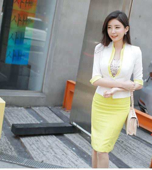 Lỗi thời trang công sở: Thư ký Đài Loan mặc áo cổ V gây xao nhãng công việc - 6
