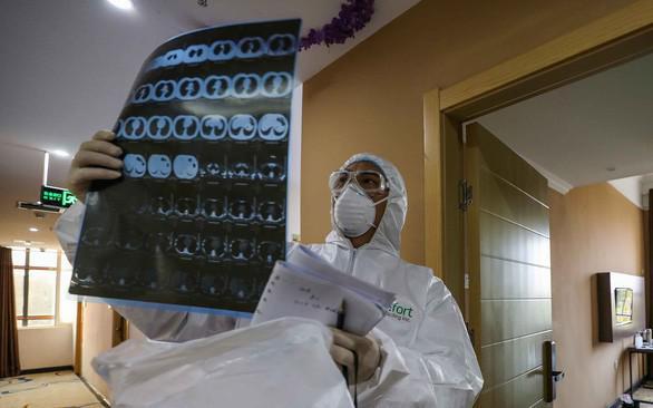 41,5% ca mắc COVID-19 ở Việt Nam không có triệu chứng ho, sốt, tức ngực, khó thở - 1