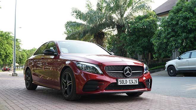 Mercedes-Benz C-Class giảm giá tới 100 triệu đồng - 2