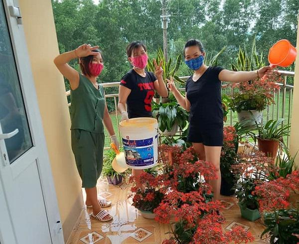 Muôn hoa khoe sắc trong khu cách ly công dân ở Hà Tĩnh - 3