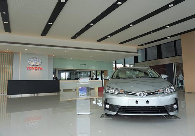 Toyota va lexus viêt nam đong cưa tam thơi hang loat showroom tai ha nôi