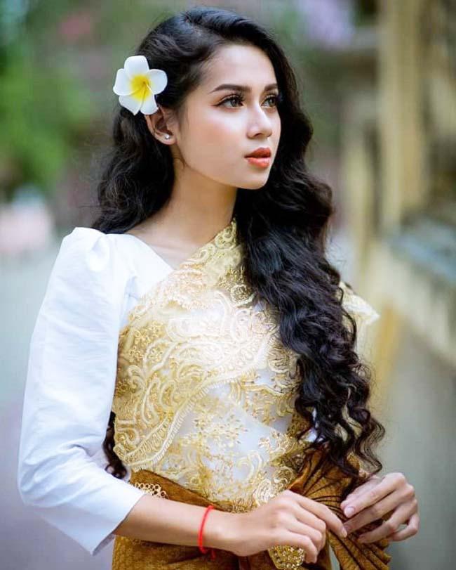 """Thanh nữ Khmer ngỡ như Việt Trinh trẻ lại, kỹ tính trong việc giữ """"bảo vật nhan sắc"""" - 1"""
