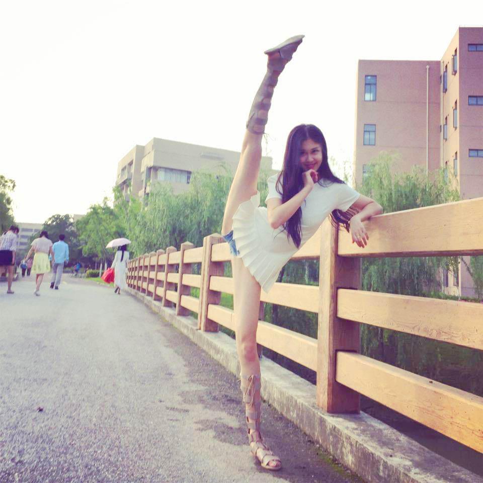 Phụ nữ Trung Quốc khổ công giữ dáng: Đấm đá như đàn ông, xoạc chân thẳng như thước - 3