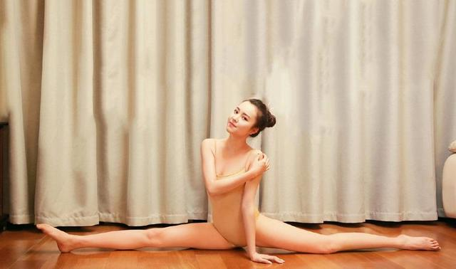 Phụ nữ Trung Quốc khổ công giữ dáng: Đấm đá như đàn ông, xoạc chân thẳng như thước - 12