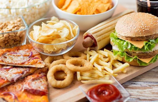 """Thực phẩm có thể khiến trẻ dậy thì sớm, cha mẹ nên biết để khuyên con """"tránh cho xa"""" - hình ảnh 1"""