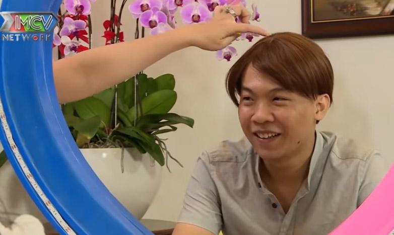 Đội tóc giả đi hẹn hò, anh chàng lột tóc khiến ai cũng bất ngờ - hình ảnh 8