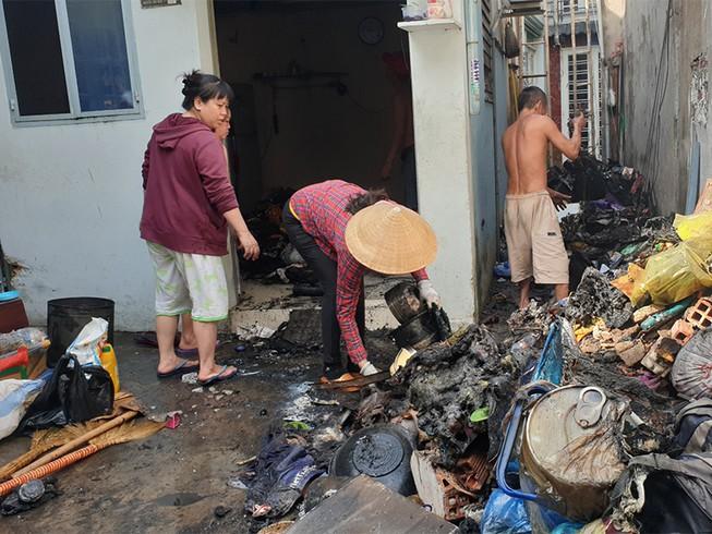 Cháy nhà sau tiếng nổ, nhiều người tháo chạy ở Gò Vấp - hình ảnh 1