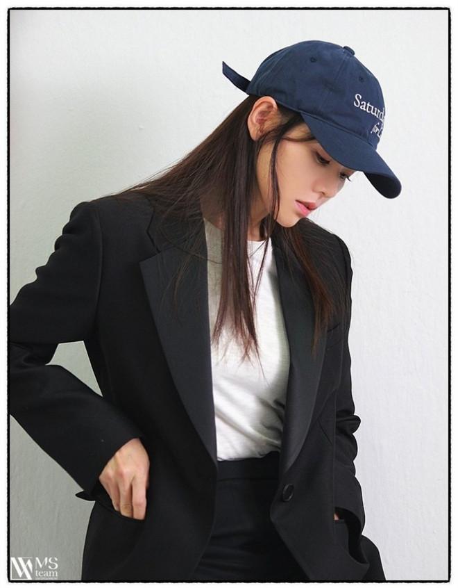"""Học ngay """"chị đẹp"""" Son Ye Jin cách dùng phụ kiện cho tóc xinh đẹp ấn tượng trong mùa Đông - 10"""