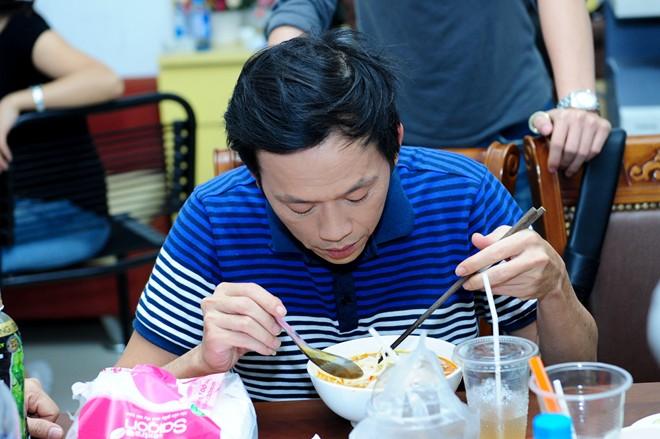 Quá khứ nghèo khó, rửa chén thuê của các nghệ sĩ hài Việt - 2