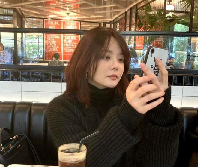 Nhan sắc quá đỗi trẻ trung của 'mỹ nhân thẩm mỹ' Han Ye Seul ở tuổi 41 - 7