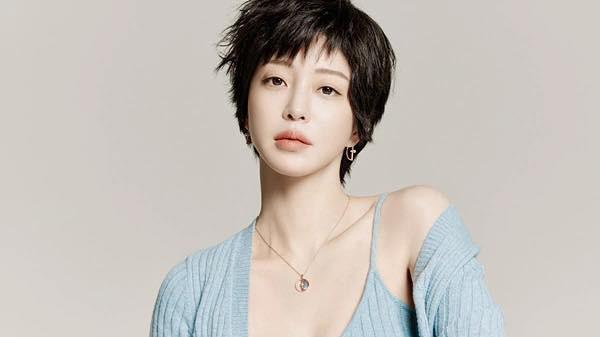 Nhan sắc quá đỗi trẻ trung của 'mỹ nhân thẩm mỹ' Han Ye Seul ở tuổi 41 - 3