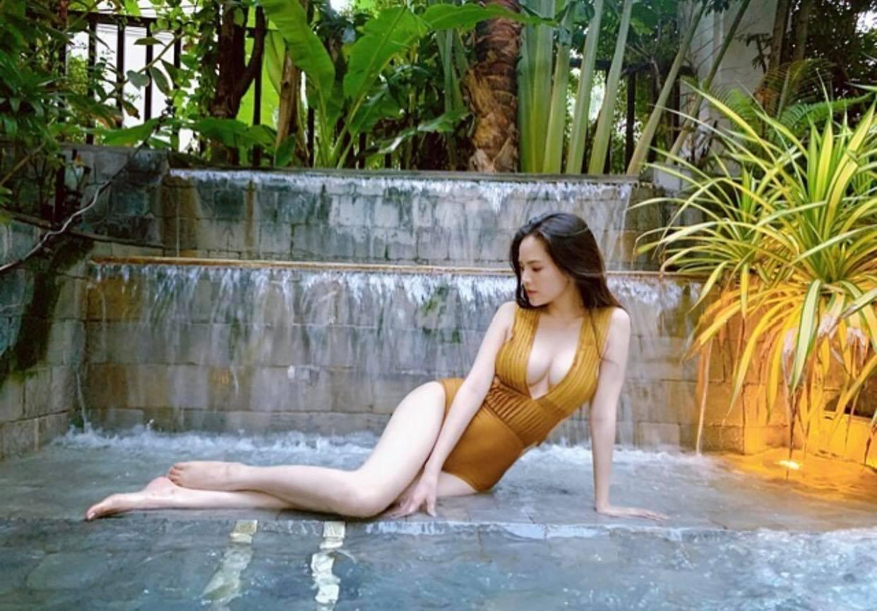 """2 năm rồi """"thánh nữ"""" Phi Huyền Trang mới khoe body với bikini, tiết lộ vóc dáng thực tại - hình ảnh 2"""