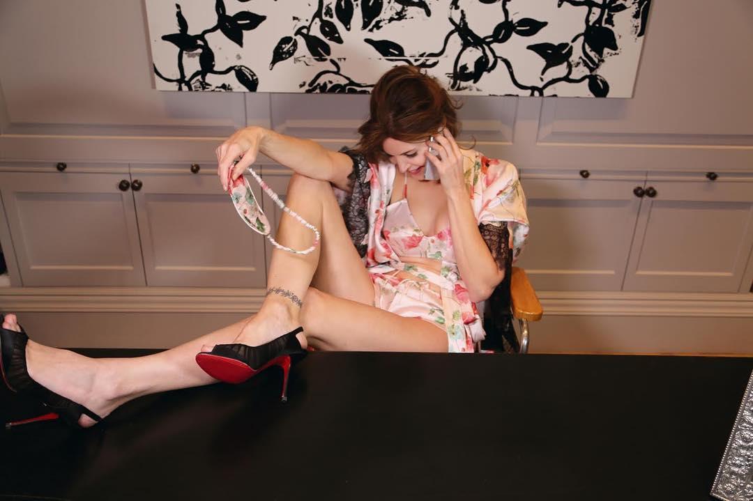 Vợ tỷ phú giày dép tuổi ngũ tuần vẫn tự tin nude trên bìa tạp chí - hình ảnh 12