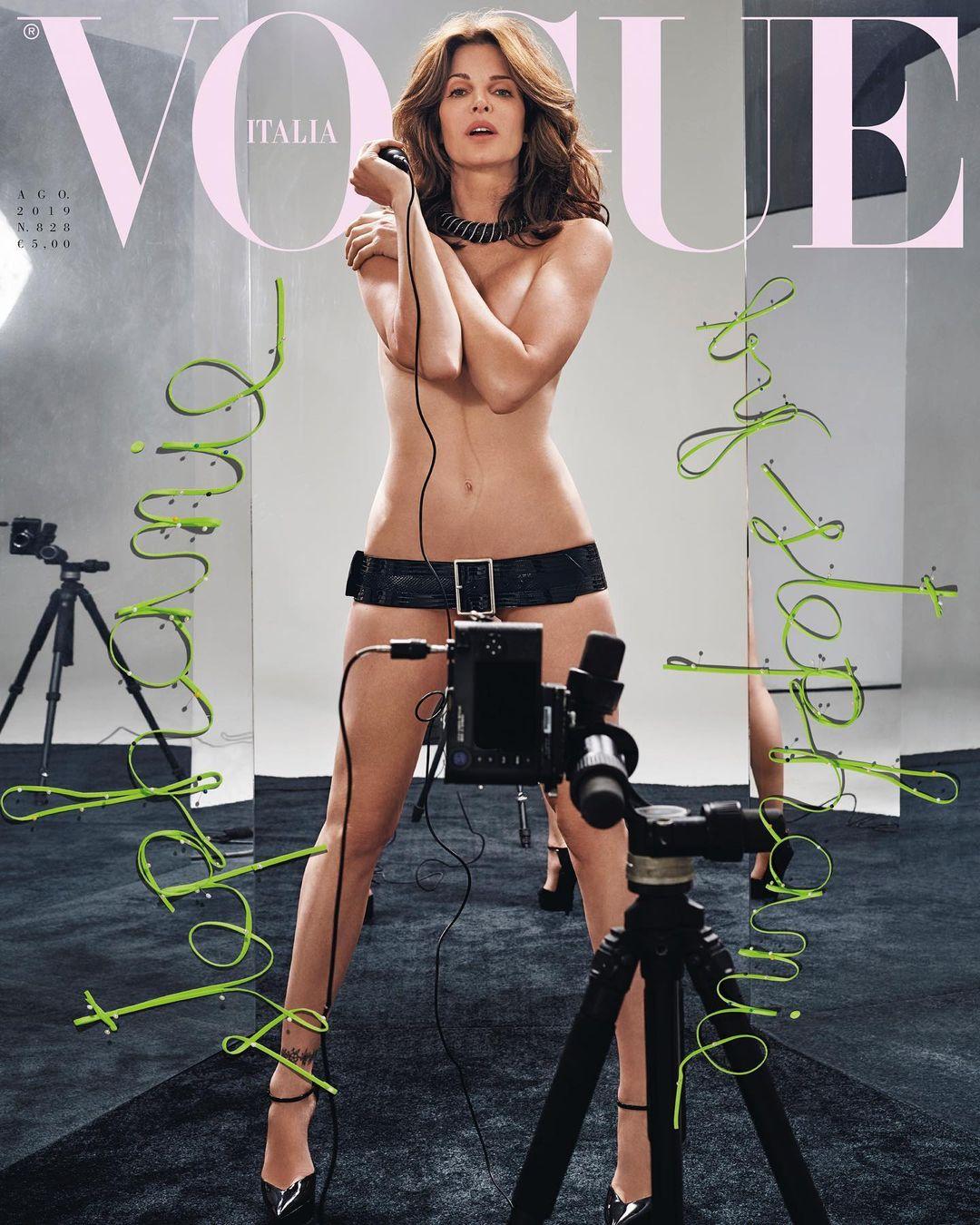 Vợ tỷ phú giày dép tuổi ngũ tuần vẫn tự tin nude trên bìa tạp chí - hình ảnh 1