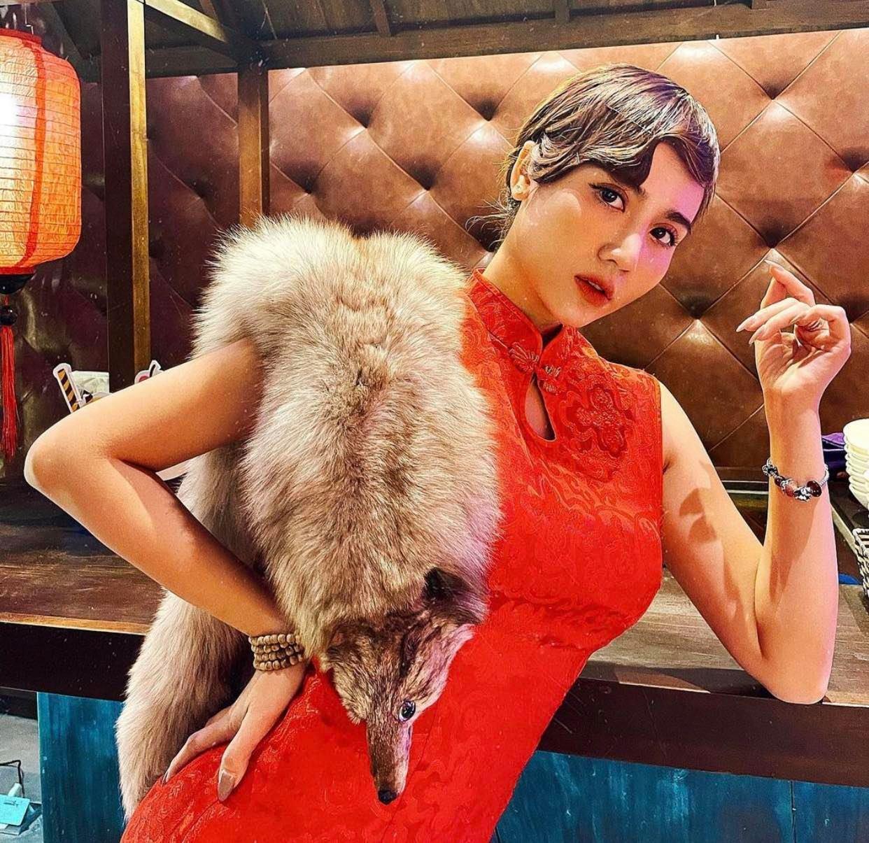 Mặc lông thú nguyên con khiến người đẹp Việt bị la ó - 1